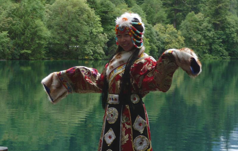 babatanukiのブログ-日之本元極気功教室 チベットの女性